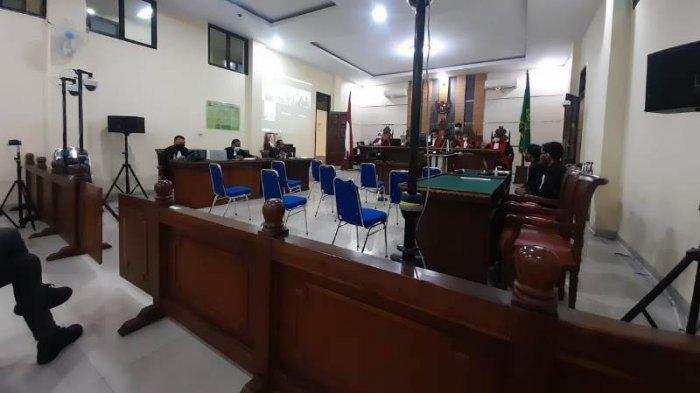 BREAKING NEWS Sidang Perdana Eks Bupati Lampung Tengah, Ditanya Pekerjaan, Mustafa: Terpidana Pak