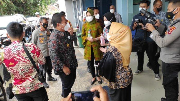 BREAKING NEWS Vaksinasi Covid-19 di Lampung, Arinal Saksikan 20 Pejabat Penerima Vaksin Covid-19