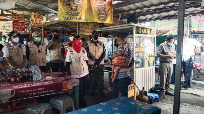 BREAKING NEWS Wali Kota Eva Dwiana Pimpin Sidak Prokes di Pasar Way Halim