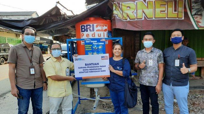 BRI Cabang Tulangbawang Serahkan Bantuan 12 Unit Sarana Cuci Tangan