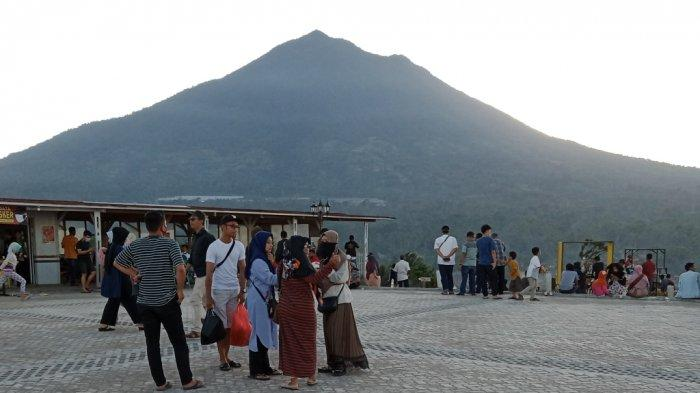 Bukit Idaman Gisting Diserbu 1.000 Pengunjung