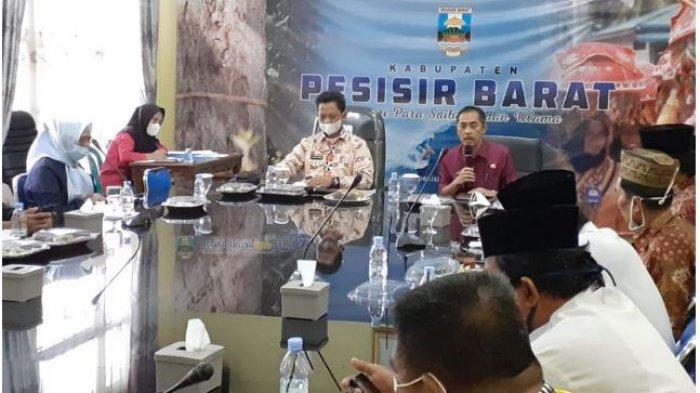 Bambang Sumbo Terima Kunjungan Silaturahmi Para Sai Batin Marga dan Para ulama Pesisir Barat