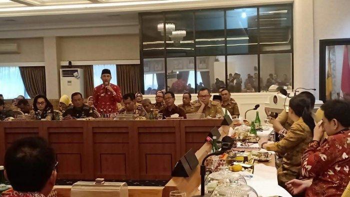 Bupati Parosil Mabsus Sampaikan Aspirasi Masyarakat Soal Harga Kopi Kepada Ketua DPR Puan Maharani