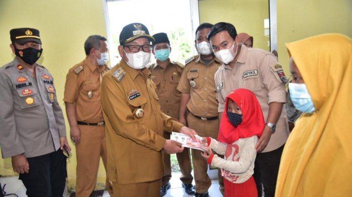 Bupati Mesuji Santuni 500 Anak Yatim di Rawajitu Utara