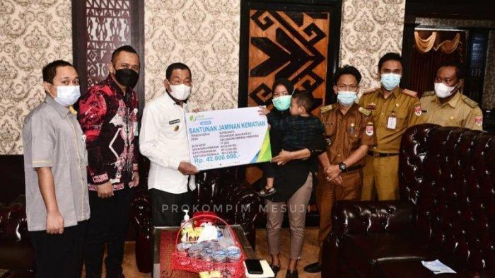 Bupati Mesuji Lampung Berharap Semua Perangkat Desa Jadi Peserta BPJS Ketenagakerjaan