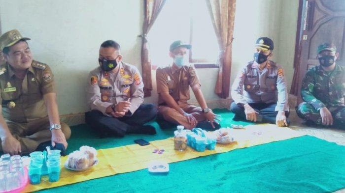 Bupati Musa Ahmad dan Kapolres Popon Sambangi Korban Pertikaian di Anak Tuha