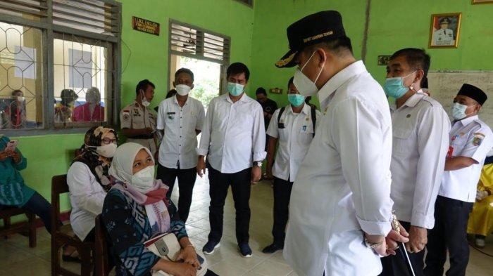 Bupati Lampung Tengah Musa Ahmad Pantau Vaksinasi di Terbanggi Besar