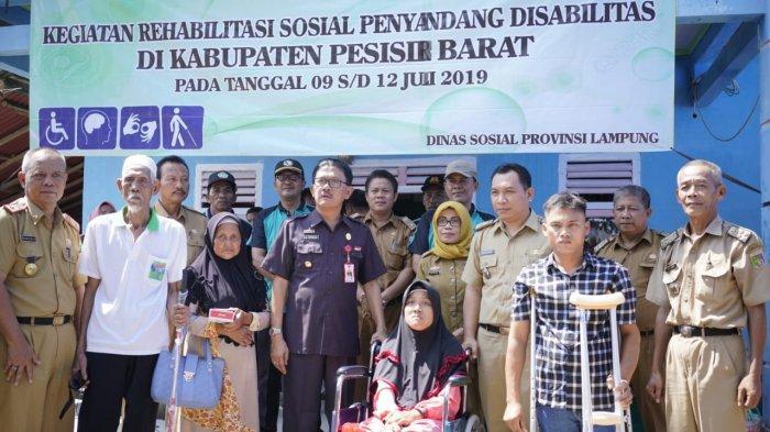 Bupati Pesibar Hadiri kegiatan Rehabilitasi Sosial Penyandang disabilitas UPSK Pesisir Barat