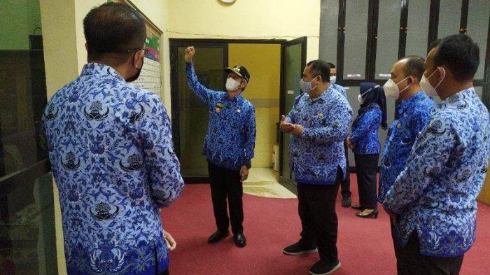 Bupati Sujadi Terjun Langsung Monitoring Tingkat Kehadiran ASN Pringsewu Lampung