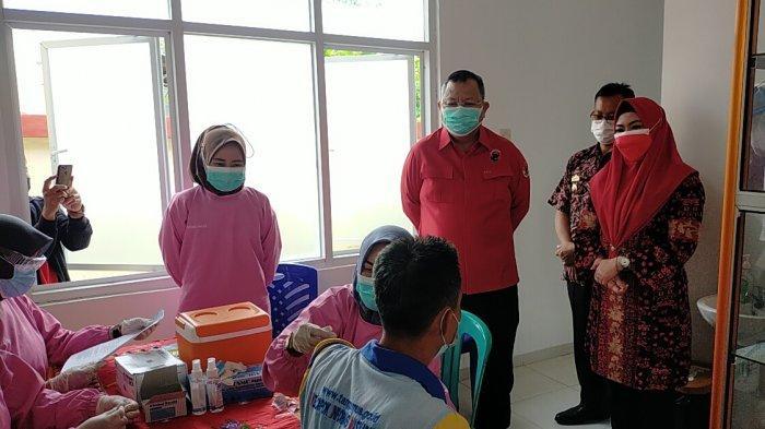 Sasar 2.000 Warga, PDIP Fasilitasi Vaksinasi Covid-19 di Tanggamus