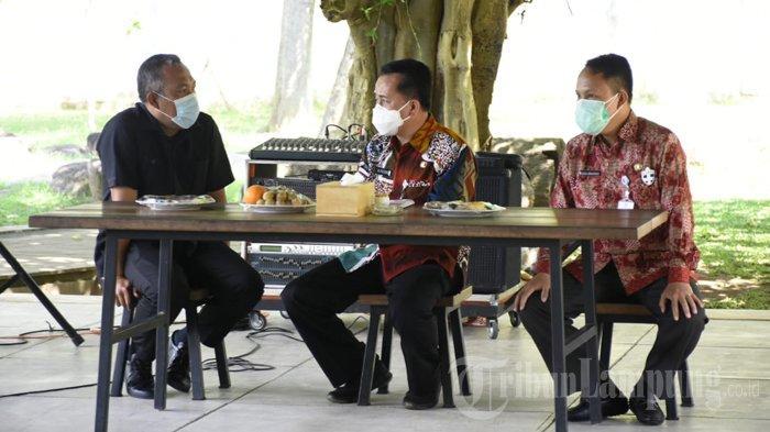 Bupati Tulangbawang Barat Umar Ahmad Curhat di Depan Kepala Litbang Kemendagri