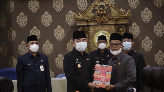 Bupati Way Kanan Raden Adipati Sampaikan LKPJ Tahun 2020