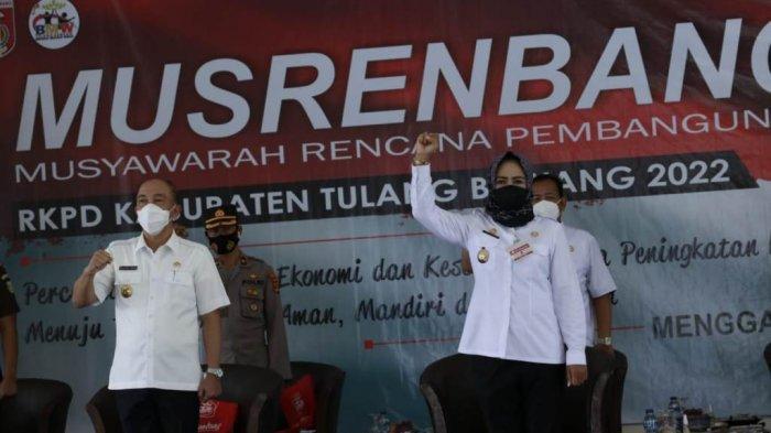 Bupati Winarti Prioritas Perbaikan Jalan Banjar Agung-Rawapitu