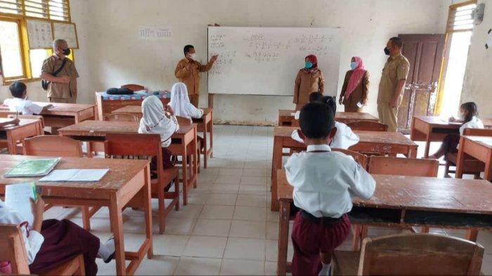 Camat Tinjau PTM Terbatas di Mesuji Lampung: Belum Ada Kendala