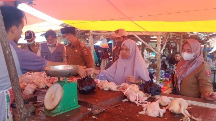 Camat Way Tenong Lampung Barat Sidak Daging Jelang Idul Fitri