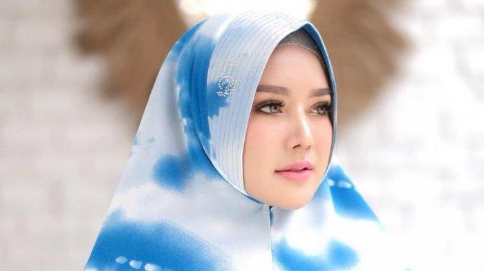 Cerita Emilda Sari Rintis Siti Aisyah Clothing, Pernah Diusir saat Ingin Tawarkan Kerjasama