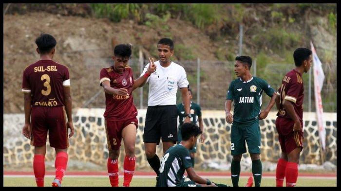 Cerita Thoriq Alkatiri, Wasit Sepak Bola Lisensi FIFA yang Terlibat di PON XX Papua 2021