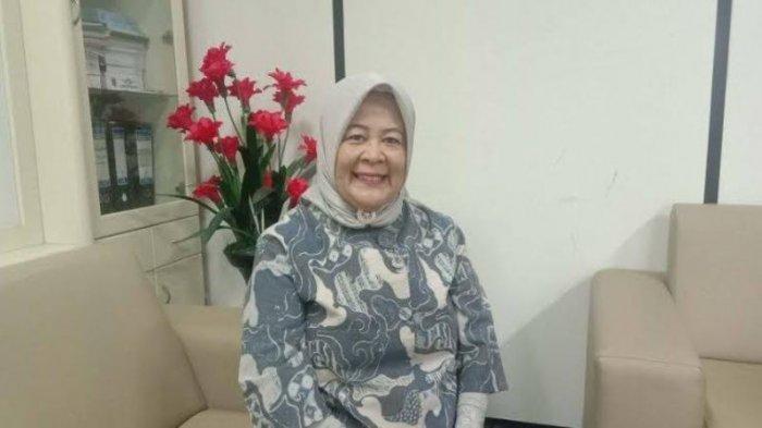 Cerita Wakil Ketua DPRD Lampung Elly Wahyuni Belajar Aplikasi Virtual dengan Anak