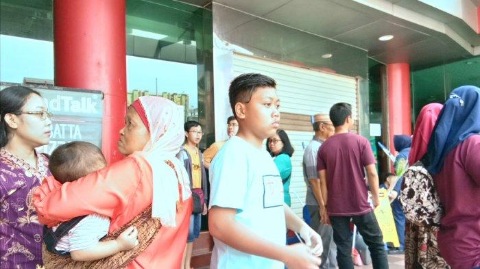 Hari Ini Chandra Superstore Tanjung Karang Buka Jam 11.00 WIB, Pengunjung Sudah Ramai Sejak Pagi