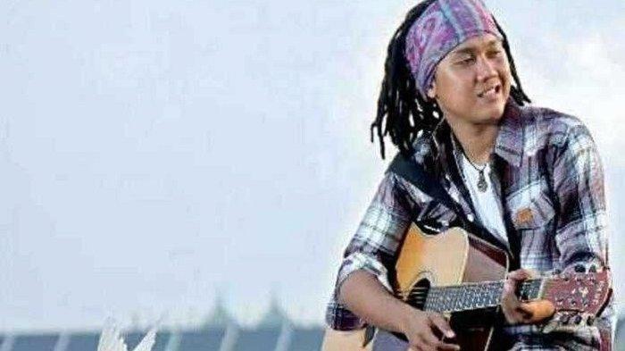 Chord Gitar dan Video Cantik Tapi Tak Menarik Dhyo Haw