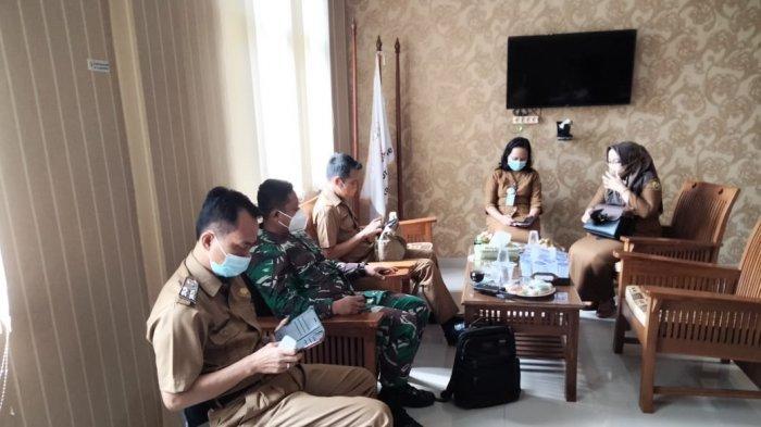 Komunikasi Sosial TNI, Danramil 410-01/Panjang Kunjungi Kantor Kecamatan Sukarame