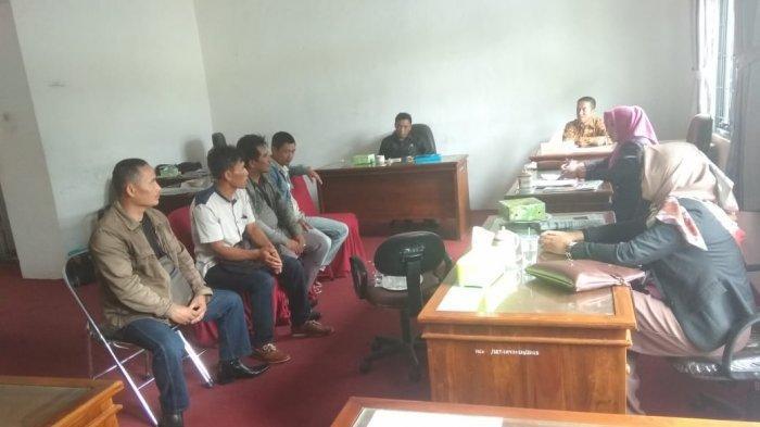 Dana Bantuan PKH Diduga Dipotong Oknum Pendamping, Warga Lapor ke DPRD dan Penegak Hukum