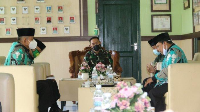 Jalin Silaturahmi, Dandim 0429/Lampung Timur Audiensi dengan MUI