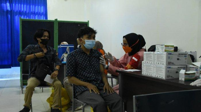 Babinsa Koramil 410-06/Kedaton Dukung Pelaksanaan Gebyar Vaksin di Tingkat Kelurahan