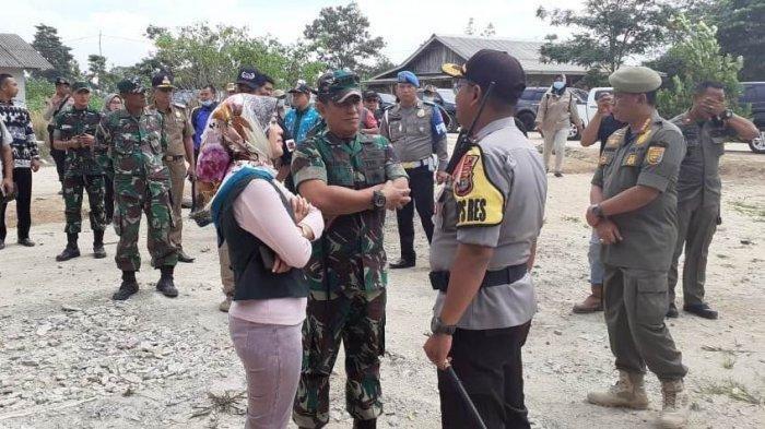 Datang ke Lokasi Bentrok Berdarah di Mesuji, Wagub Lampung Nunik Pakai Rompi Antipeluru?
