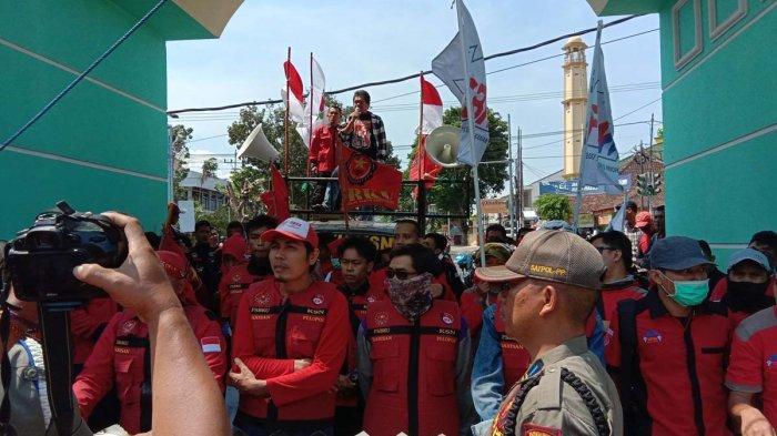 BREAKING NEWS - Tolak UMP 2020, PPRL Gelar Demo di Depan Kantor Pemprov Lampung
