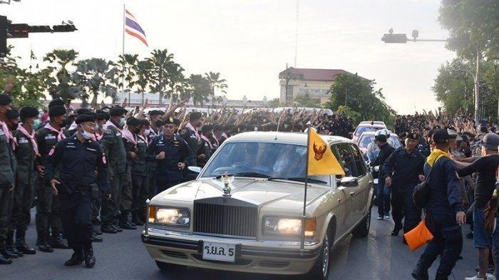 Thailand Mencekam, Selain Tuntut Perdana Menteri Prayuth Mundur, Massa Mulai Berani Goyang Raja?