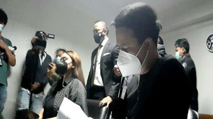 Dennis Lyla Jawab Tudingan Thalita Latief Soal KDRT, 'Biar Nanti Dibuktikan'