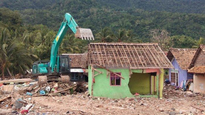 Eks Hotel 56 Kalianda Masih Diperbaiki, Korban Tsunami Belum Bisa Direlokasi
