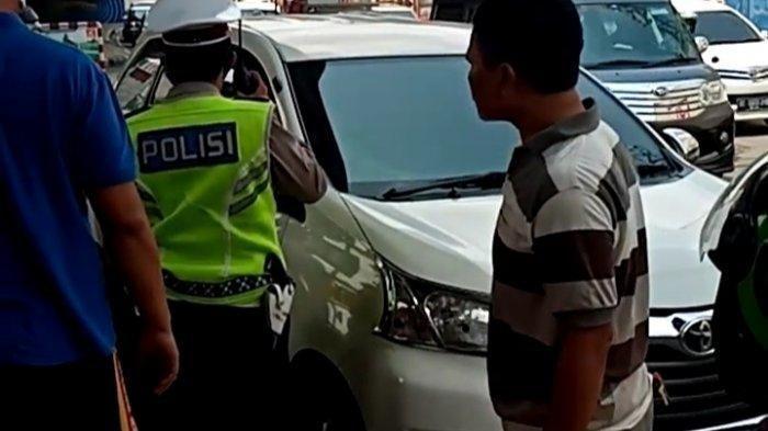 Detik-detik Penyelamatan Suami Istri Nyaris Meninggal di Dalam Mobil di Lampung