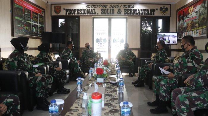 Kolonel Inf Romas Herlandes Terima Kunjungan Tim Dalprog Korem 043/Gatam