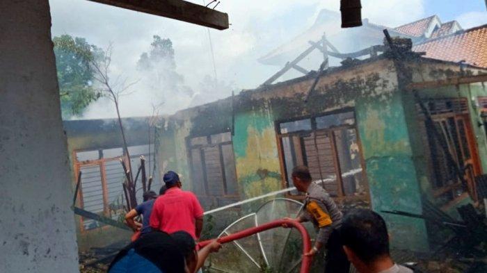 Diduga Korsleting Listrik, Satu Rumah di Way Panji Lampung Selatan Terbakar