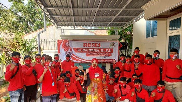 Dikomandoi Bunda Eva Dwiana, MTRH Lampung Semprot Disinfektan di Kecamatan Telukbetung Selatan