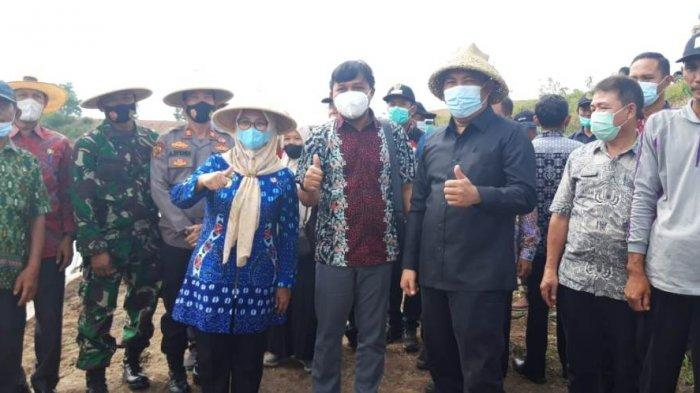 DKP Lampung Menggelar Kegiatan Tabur Bibit Ikan Jelawat dan Baung di Tubaba