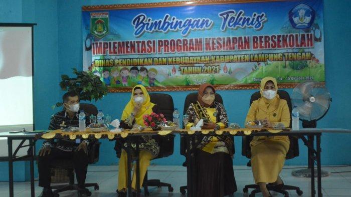Disdikbud Lampung Tengah Gelar Bimtek Kesiapan PAUD-SD