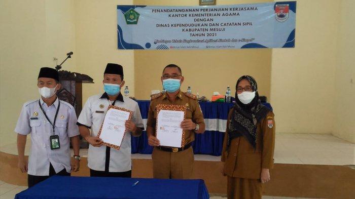 Disdukcapil Mesuji Lampung Kerja Sama dengan Kemenag, Pengantin Dapat KK dan KTP Baru Usai Akad
