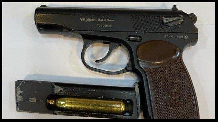 Ditemukan Pistol di Rumah Pengemudi Pajero yang Pukul Sopir Truk di Sunter