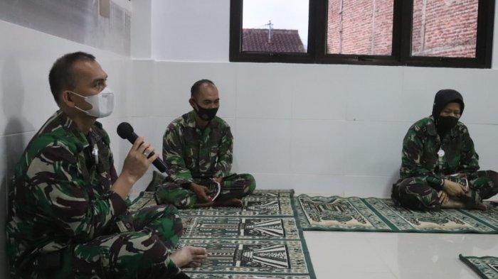Komandan Kodim 0410/KBL Kolonel Inf Romas Herlandes Gelar Doa Bersama di Musala Makodim