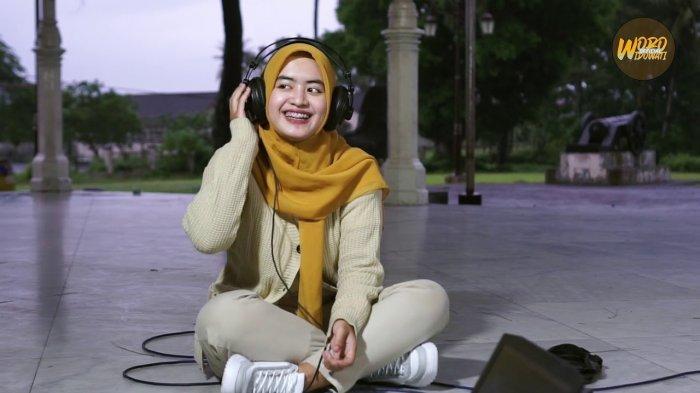 Chord Gitar Haruskah Aku Mati Woro Widowati, Disertai Lirik Lagu Haruskah Aku Mati