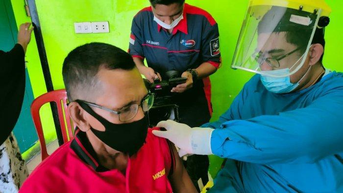 Gerindra Tanggamus Gelar Vaksinasi Covid-19 di Kota Agung
