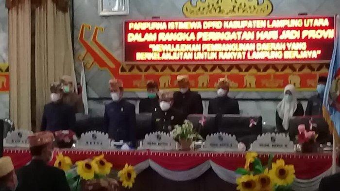 DPRD Lampung Utara Gelar Paripurna HUT ke-57 Provinsi Lampung, Tamu Udangan Pakai Baju Adat