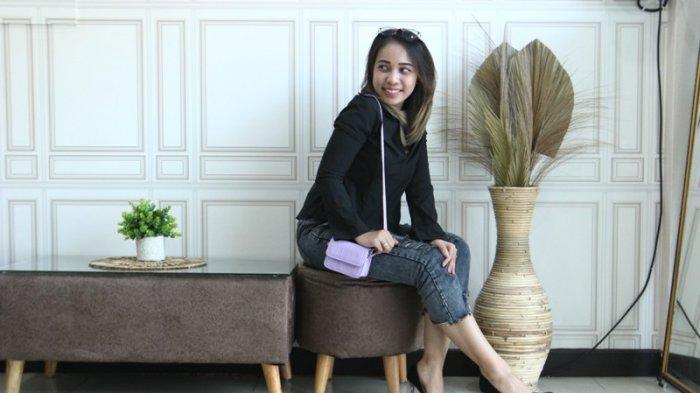 Zaraz Obella Pakai Mini Bag untuk Jalan-jalan Santai
