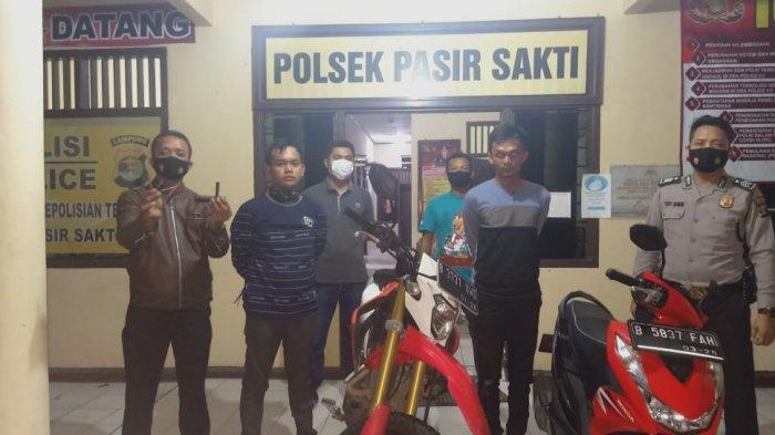 Nekat Tabrak Polisi, Dua Bandit Curanmor di Lamtim Dijaring Petugas Polsek Pasir Sakti