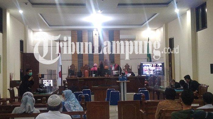 Dua Terdakwa Korupsi Benih Jagung Lampung Jalani Sidang Perdana di PN Tanjungkarang