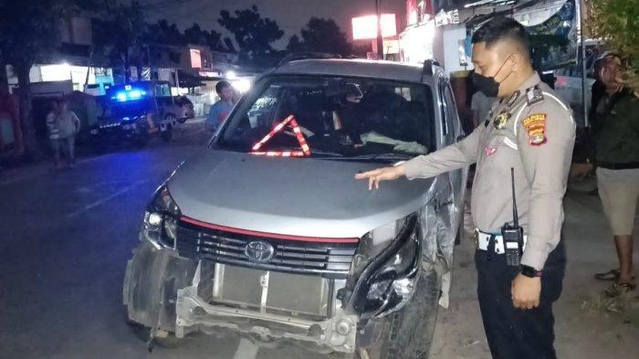 Hindari Motor, Dua Unit Mobil Toyota Rush Tabrakan di Bandar Lampung