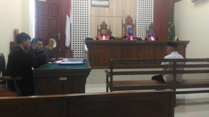 Didakwa Korupsi Rp 643 Juta, Hapzi Pastikan Tak Ajukan Keberatan